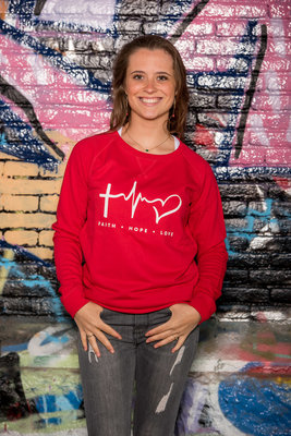 Sweater Woman 'Faith Hope Love' Rood