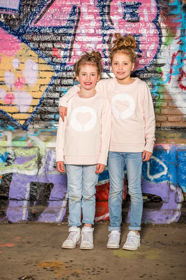 Sweater Girls 'Heart'