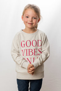 Sweater Girls 'Good Vibes Only'